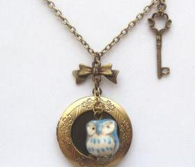 Antiqued Brass Key Porcelain Owl Locket Necklace